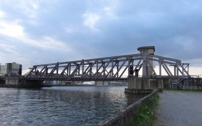 De spoorwegbrug in Boom uit het slop gehaald?